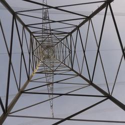 Stromversorgung, Foto: Löwe 48 [CC BY-SA 3.0 (https://creativecommons.org/licenses/by-sa/3.0)]