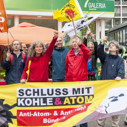 Schluss mit Kohle und Atom! Aktion bei RWE 2018. Foto: © Herbert Sauerwein